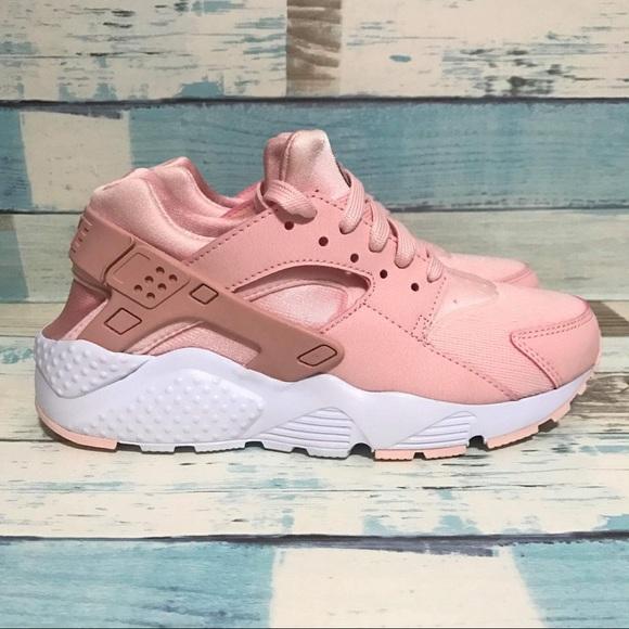 NEW Nike Huarache Run SE GS Storm Pink Size 7